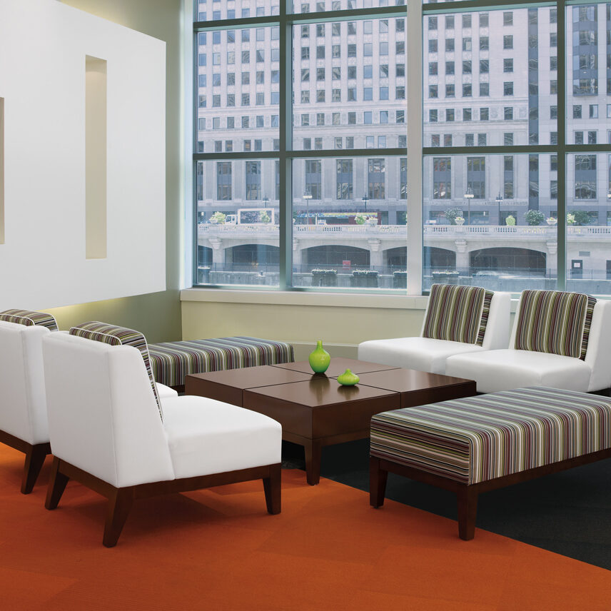 Gallery_Pose-Seating_6